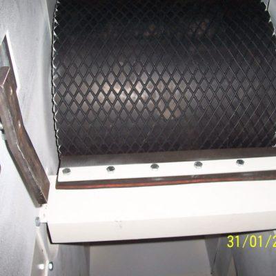 Becherwerk - Becherwerksantrieb mit gummierter Trommel und Abstreifer (024)